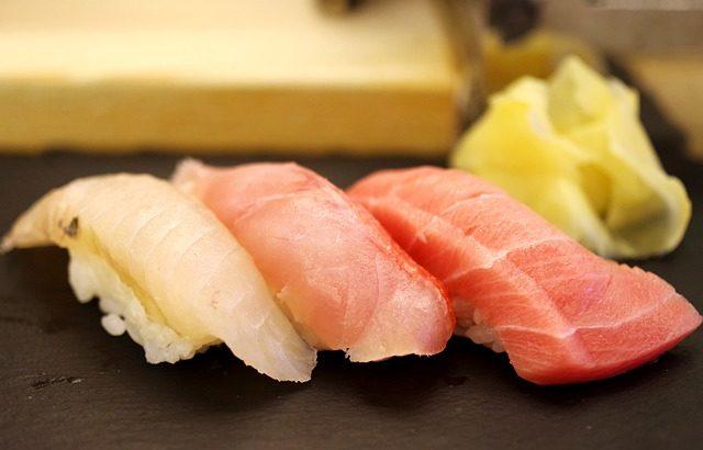 箸の使い方が上手なアメリカ人がはじめてウニを食べたw【日本食を食べた外国人の反応が気になる】YouTube動画の紹介